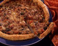 Pizza med kjøttfyll -