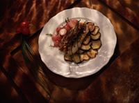 Seibiff med aubergine og reddiker -