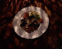 Sei i safransaus med reker og små grønnsaker -