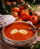 Tomatsuppe med egg -