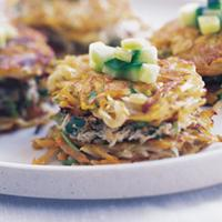 Krabbekaker med koriander og salt agurk -