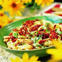 Linguine med gorgonzola og prosciutto crudo -