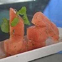 Honning- og sitronmelissemarinert vannmelon -