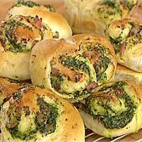 Småbrød med spinat og skinkefyll -