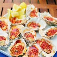 Grillede østers med smørsaus -