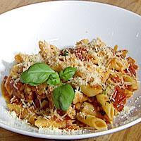 Penne Lucia - Lucia's pasta med tomater og basilikum.
