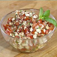 Tomatsalat med mozzarella og løk -