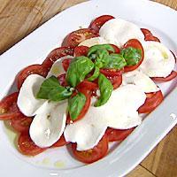 Tomatsalat med mozzarella -