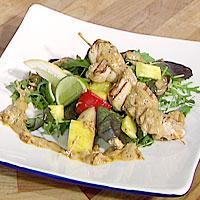 Kyllingsatay med fruktspidd -