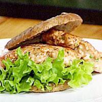 Reale lakseburgere med eple- og selleriremulade -