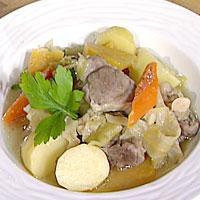 Puspas - Dette er en bergensk variant av fårikål med ekstra grønnsaker.