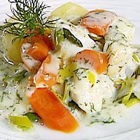 Krydderkokt røkt kolje med dillsaus og grønnsaker -