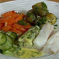 Dampet torsk, ingefærkokte gulrøtter og sandefjordsmør -