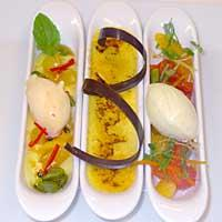 Crème Brûlée med sitrussalat og vaniljeis -