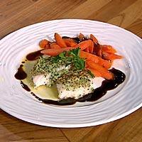 Urtebakt torsk med smørdampede gulrøtter og balsamicosaus -