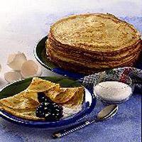 Pannekaker - Pannekaker til middag? Pannekaker er like godt til middag som til dessert. Du kan bruke fint eller sammalt hvete i denne oppskriften på pannekaker.