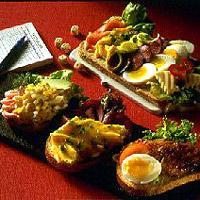 Eggepanne-pålegg - Servèr eggepannen varm med brød til eller bruk den kald som smørbrødpålegg, f.eks. som overraskelse i matpakken til din kjære...