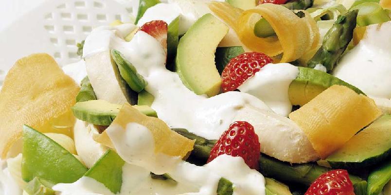 Sommerens kyllingsalat med myntedressing -