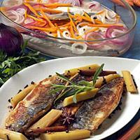 Stekt makrell med krydderkokt rabarbra -
