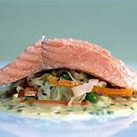 Posjert ishavsrøye med fersk surkål -