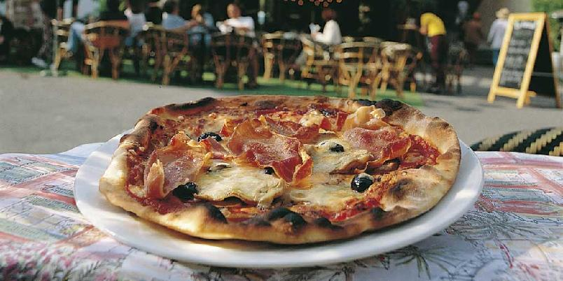 Pizza fire årstider -