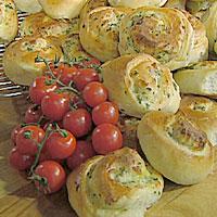 Fylte skolebrød med spinat og skinke -