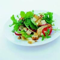 Salat med valnøtter -