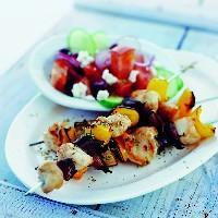 Grillede kyllingspidd med rødløk og mynte -