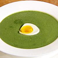 Grønn vårsuppe med nesler -