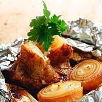 Foliestekte poteter med løk -