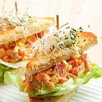 Små sandwicher med skinkefyll -