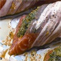 Ørret med peppermyntepesto, pancetta og revet sitron -