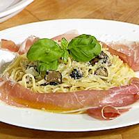 Pasta med trøffel, parmesan og skinke -