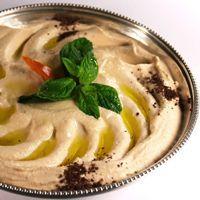 Hummus - Dette er den klassiske oppskriften på hummus. Hummus inneholder som regel tahini (tehina) og det får du i spesialbutikker.