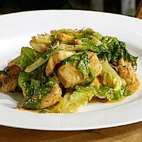 Wok med currymarinert kylling, kokosmelk og cashewnøtter -
