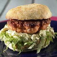 Fiskeburger med eplesalat -