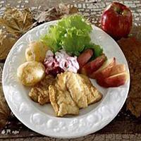 Seibiff med stekte epler og tyttebærkrem -