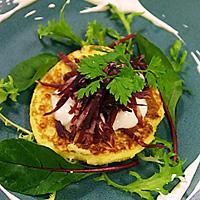 Potetpannekake med strimlet fenalår og rømme - En enkelt liten rett når du har lyst på noe godt.