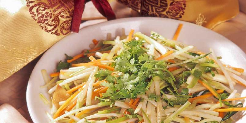 Blandete grønnsaker - Xiao cai he hui - Da jeg drev restaurant, serverte jeg denne retten som vegetarmåltid. Gjestene fikk da ta del i Xiang-kjøkkenets smaksverden uten å spise kjøtt eller fisk. Retten finnes i mange varianter rundt i Hunan.