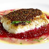 Skinnstekt torsk med rødbetpurè og beurre blanc -