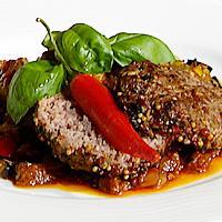 Hakkebiff med tomatbasert grønnsakstuing -