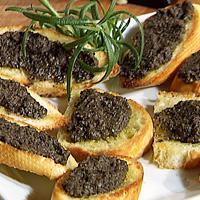 Crostini med olivenmos -