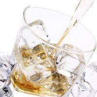 Tchaïnaia - vodka med tesmak - Russerne elsker te og vodka. I tchaïnaia får de begge deler. Kruttsterkt!
