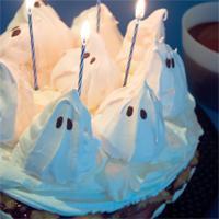 Spøkelseskake - Buu-huu! Spøkelser er noe de aller fleste barn elsker, og hvis de også elsker marengs, bør du lese videre.
