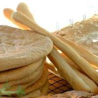 Grissini - Grissini er sprø italienske knaskestenger, som passer til supper og dip.