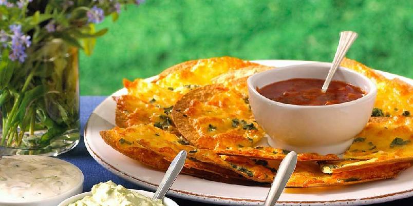 Ostechips med tomatsalsa -