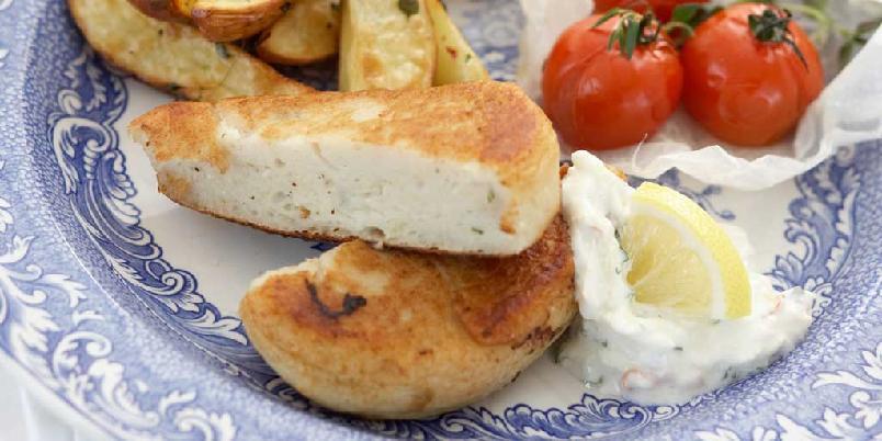Fiskekaker med epletzatziki - Ferdige fiskekaker blir et spennende måltid med nytt tilbehør.