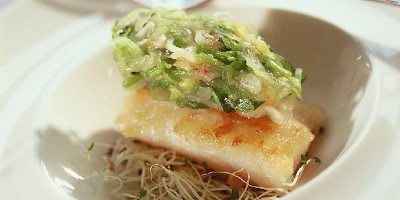 Kim chi - kinakål à la Korea - Kim chi er en spennende koreansk rett, som består av syltete grønnsaker med smakfulle krydder. Kjempegodt som forett eller tilbehør.