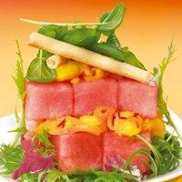 Salat med vannmelon og safranmarinert mozzarella -