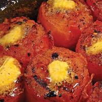 Urtebakt tomat - Ovnsbakte tomater blir herlig søtlige, og passer som tilbehør til f.eks. biff.